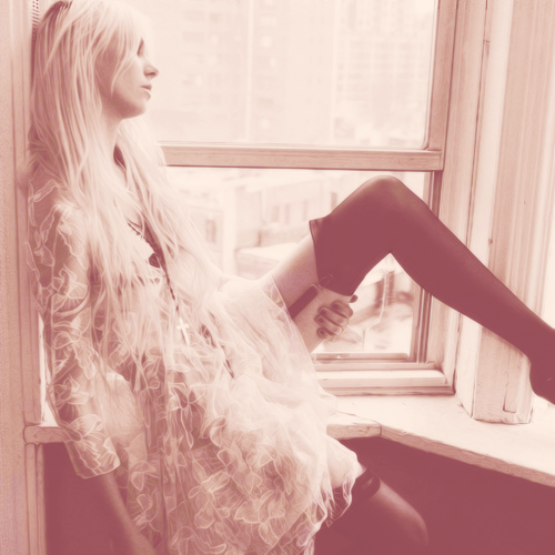 buffypierce:  [85/100] pictures of taylor momsen(♥)  God you are just so beautiful…
