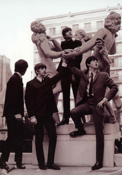 ringomclennison:  The Beatles in Paris