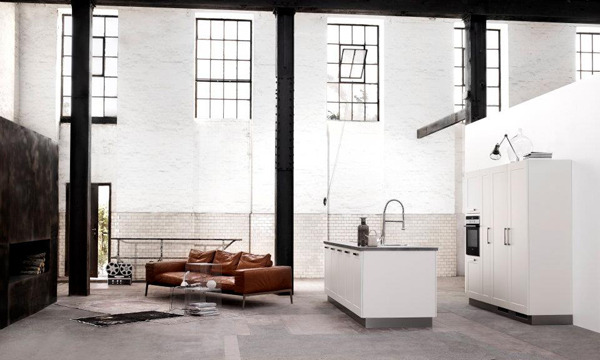 familiale:  Warehouse kitchen.   Want. So much want is in me right now.