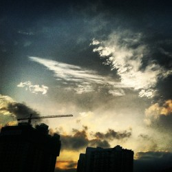 Today #Shanghai#sky#idaily#instahub#instagood#instamood#picoftheday#weather#bestoftheday#instafame#igers#cool#awesome#nature#landscape#iphonesia#iphoneonly  (Taken with Instagram)