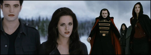 Volturi VS Cullen nel trailer ufficiale di Breaking Dawn Parte 2! (via » Volturi VS Cullen nel trailer ufficiale di Breaking Dawn Parte 2! » Sw Tweens)