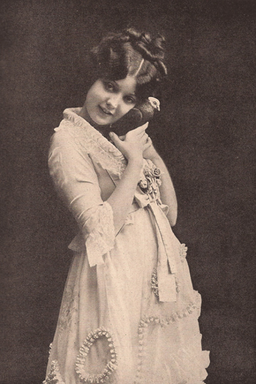 theloudestvoice:  Lila Lee, Photo-Play Journal, March 1919