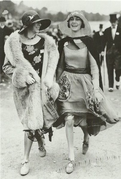 At the races, 1920s