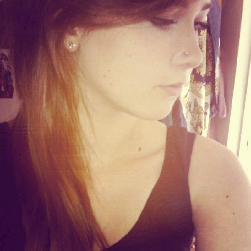 cat-kin:  Hello nose piercing (Taken with Instagram)   so beautifullllllllllllllllll
