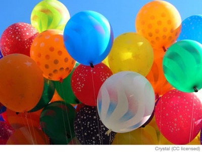 parenting:  Decorate balloons for rainy day fun! For more fun kid activities click here.