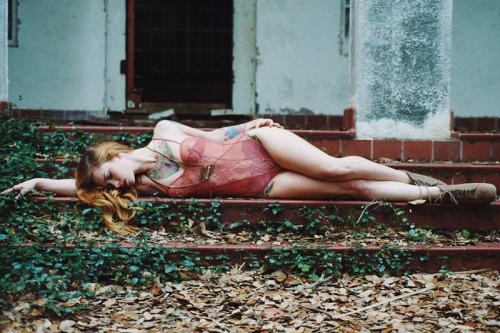 your-body-is-a-canvas:  (by Tamara Lichtenstein)