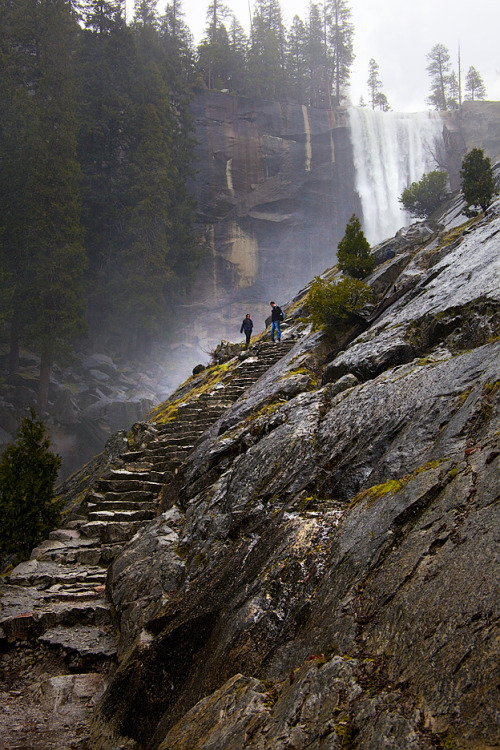 trailhikers:  Mist Trail - Yosemite National Park