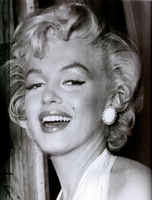 alwaysmarilynmonroe:  Marilyn photographed just prior to filming the studio version of the subway-grating scene in The Seven Year Itch, 1954.