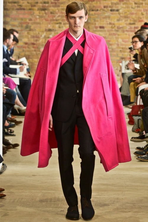 Good Morning London! Men collections are a hit and this E TAUTZ MEN look is a living proof of it. … more to come in the upcoming days! Spring 2013 is alive! E TAUTZ MEN Spring/Summer 2012. D.R.