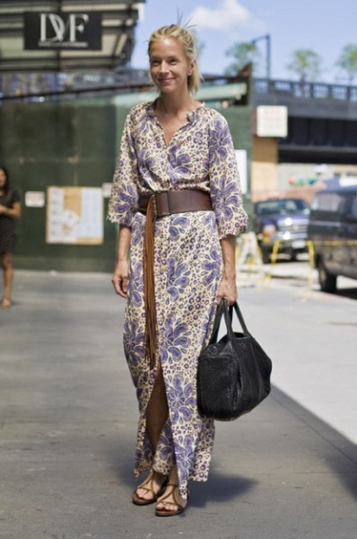 Purple Paisley Kaftan Spotted on Washington Street…Meatpacking Disctrict, NYC (via ExPress-O)