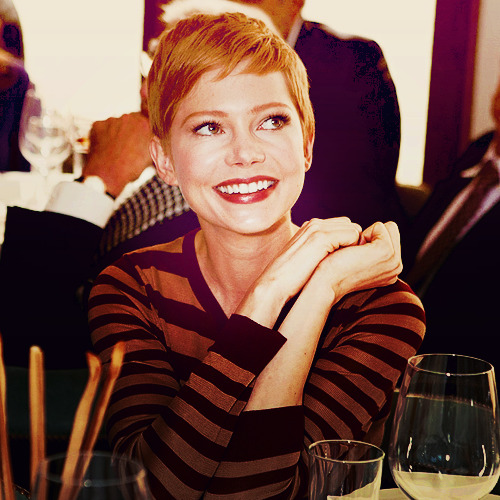 05/50 pictures of Michelle Williams.