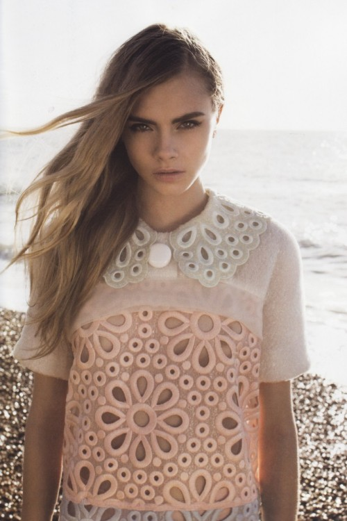 wildthicket:  Cara Delevigne by Annabel Mehran for Lula issue 14