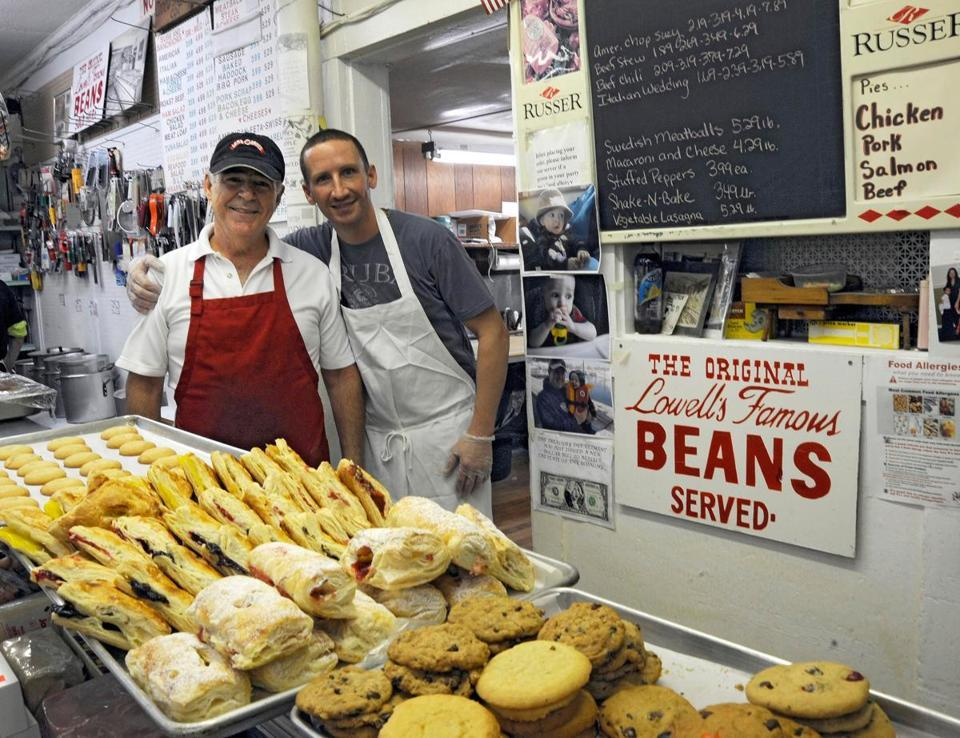 "At Cote's in Lowell, beans reign supreme  ""Bean boy"" Kevin Brunelle, who works behind the counter, scoops out some 300 pounds a week. (MARK WILSON FOR THE BOSTON GLOBE)"