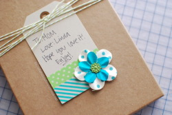 DIY Washi Tape Gift Tag via Craftaholics Anonymous