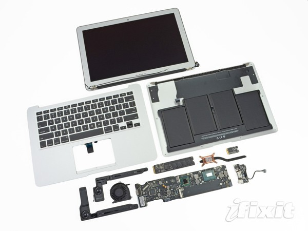 brianduprix:  iFixit rips open new 15-inch MacBook Pro and 13-inch Air, from Engadget http://engt.co/MFAlGj