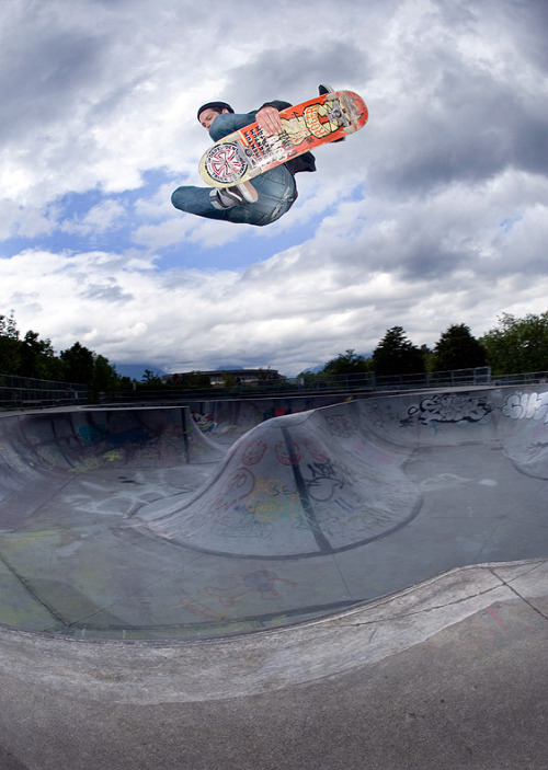 Nate Lacoste, frontside air at Hastings bowl, Vancouver