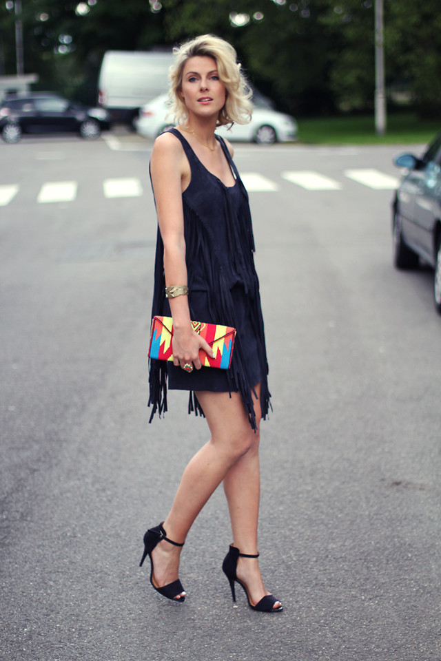 lookbookdotnu:  Fringed dress and aztec clutch! (by Sofie V.)