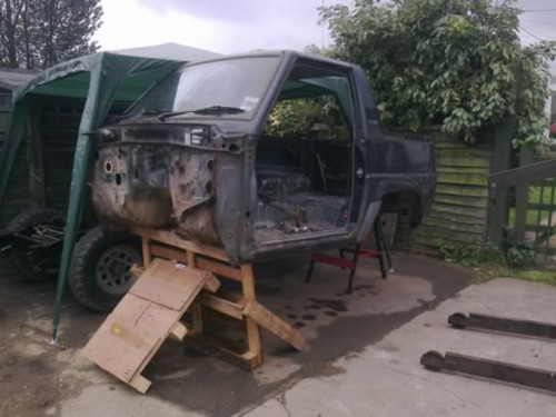 So today we took the body off the sportrak ready to go on to the fourtrak chassis! shes going to be a beast when shes done :) you like are dodge Redneck Stand? best not be windy tonight :s