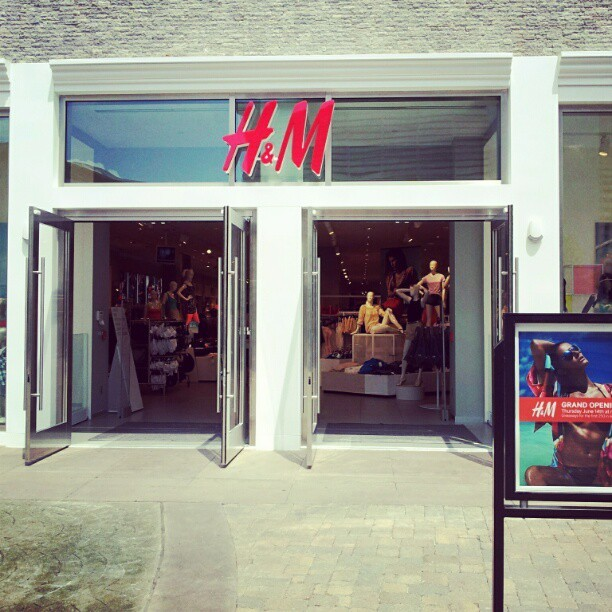 Open for business #hsv #h&m #amaro  (Taken with Instagram)