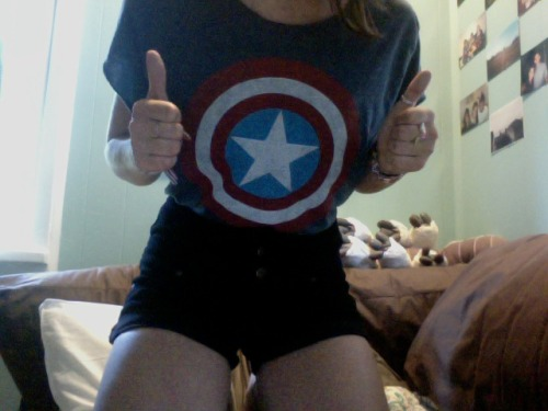 well-read-bohemian:  BAM. no longer a giant man tshirt. i am captain america. i've been waiting so long for this. also i love my new shorts.  Zauren. i just had to reblog this. you're too awesome.