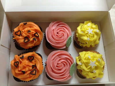 Birthday Cupcakes by icedicedbaby on Flickr.