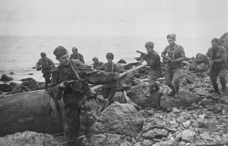 Soldiers of the 2nd Guards Rifle Division at Kerch Peninsula November, 1943