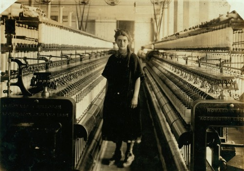 whataboutbobbed:  a girl looms by the looms, Fall River, Massachusetts, June 21, 1916