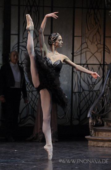 thedailyballet:  Polina Semionova in Swan Lake with Staatsballett Berlin. Photo (c) Enrico Nawrath.