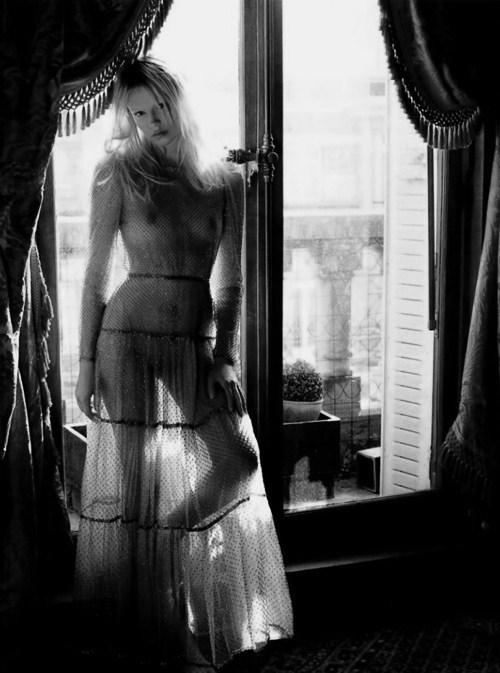 inspirationgallery:  'Clair de Jour'. Natasha Poly by Mario Sorrenti. Styled by Emmanuelle Alt. Vogue Paris June/July 2012