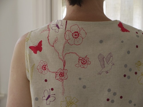 i made my first wiksten top, i love it! pattern: wiksten top, i bought the down load version, better value & instant gratification :) fabric: luluca for kokka, bought at sew l.a.