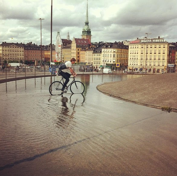 fixedsthlm:  it's been raining in stockholm  Rough.
