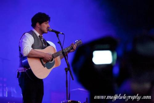 Marcus Mumford of Mumford & Sons performs at Rockness Festival on 8th June 2012. Photo copyright Moff Photography for FavouriteSon.com.
