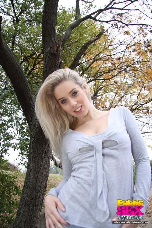 Hot blonde makes outdoor blowjobfree videotime 5:32 minLink: http://is.gd/adJcbM