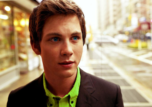 logan-lovers:  28/50 pictures of Logan Lerman.  eyes