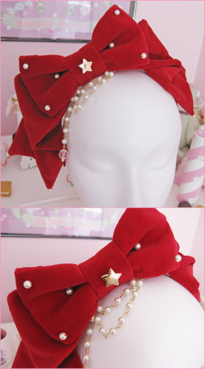 sugarviolin:  Handmade red velveteen star headbow