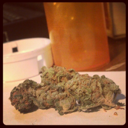 wahibis:  #weed #bud #marijuana #headband #dank #green  (Taken with Instagram)