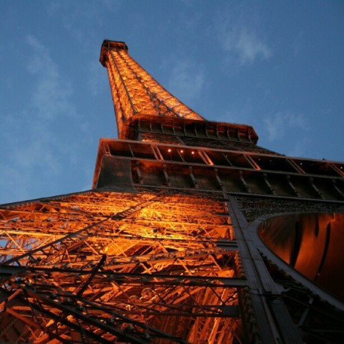 Another #photoadayJune Day 20 contender: the Eiffel Tower at dusk. #paris #france #eiffel #eiffeltower #latoureiffel #dusk #architecture #lines #nofilter  (Taken with Instagram)