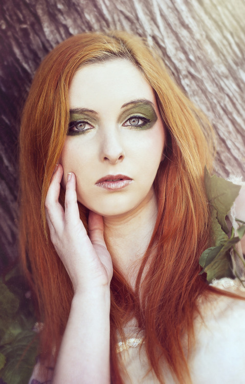 Model: Shelley McManis, Makeup : Laura Atkinson, Photography : Phil Bailey