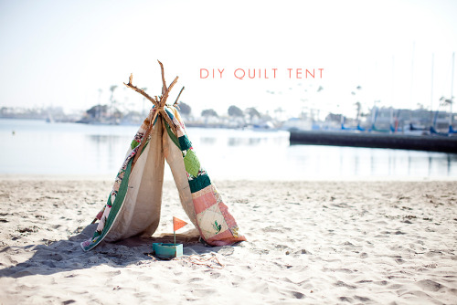 (via Kristin Eldridge » DIY Child's Tent/Fort with a Quilt [Orange County Family Photographer] » Kristin Eldridge)