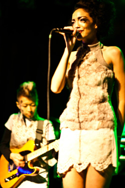 "Cool shot of OSO performing at her release party in the collaborative garment by deLange designs and Danielle Everine.osomodelmusic:  ""Art Projects, vol. 1"" Release party pics are posted! Corina Bernstein captured the set beautifully:)"