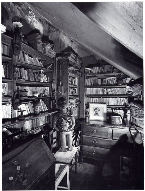 mythologyofblue:  View of Guillaume Apollinaire's library in Paris, 1954. (grupaok)