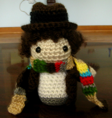 Fourth Doctor crochet. :3