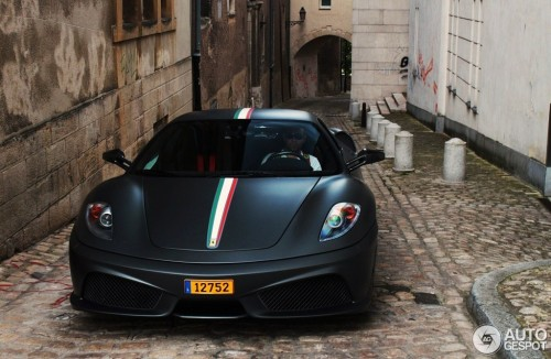 Damnit. A matte black 430 Scuderia with the Tricolore stripe