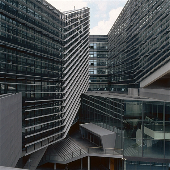 subtilitas:  Günther Domenig - The courtyard of the T-Center, Vienna 2004. Via.