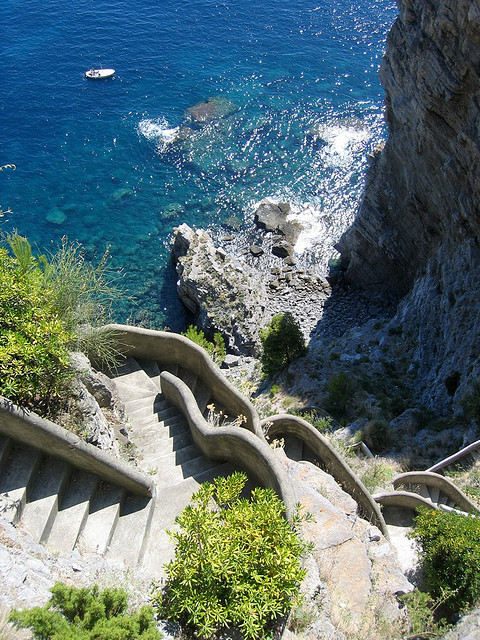 Steps to the Sea, Positano, Italy photo via yeeting