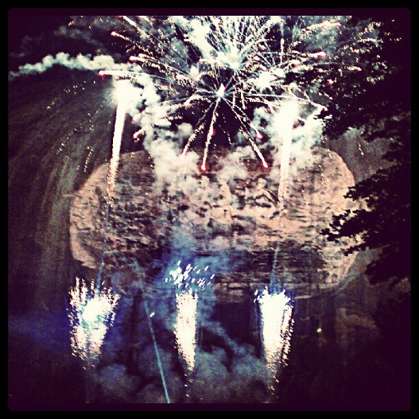 #stonemountain #Georgia #laser #show #lasershow #fireworks #colorful #explosion #president #presidents #USA #feelinglikeakidagain (Taken with Instagram at Stone Mountain Laser Show)