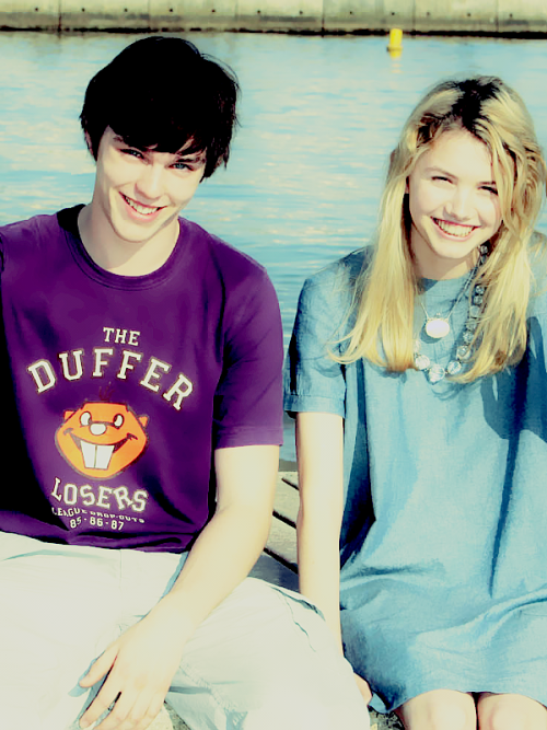 86/100 pictures of Skins cast