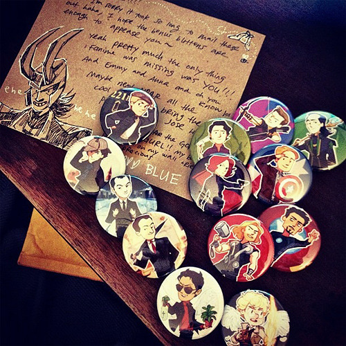alicexz:  Oh my god oh my god look what I got in the mail today - a crapload of buttons from blue!!! IS THIS NOT THE GREATEST THING YOU HAVE EVER SEEN oh my god all my babies Here's what I did to my Coach purse:  YES I AM KEEPING IT LIKE THIS ALWAYS