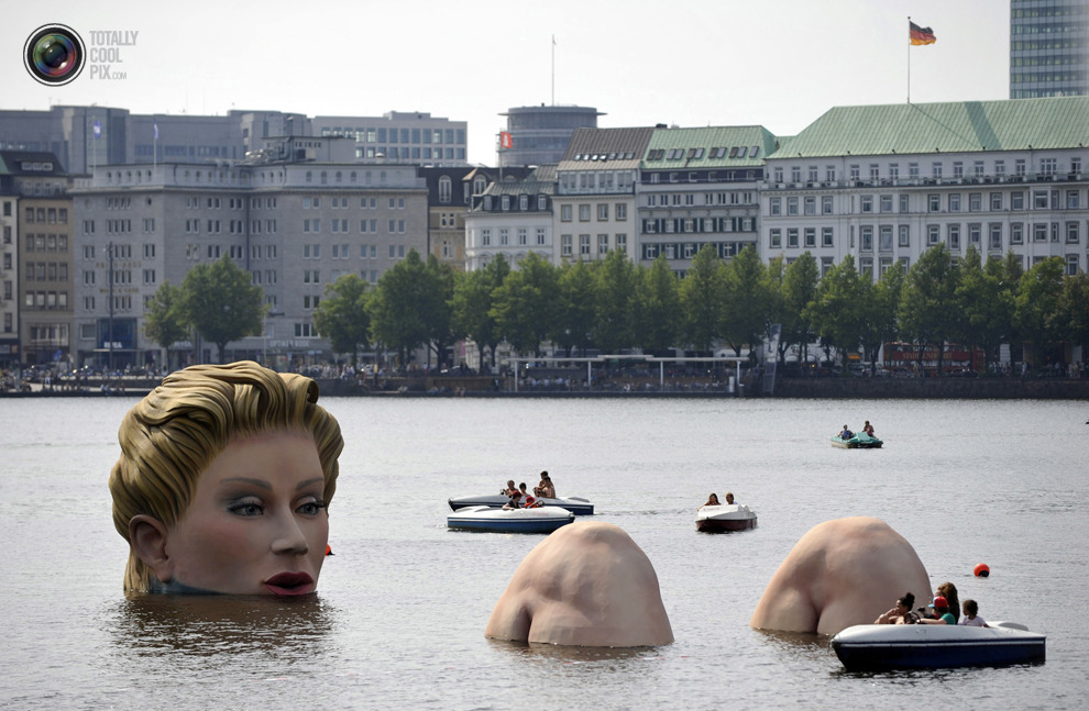 leahloni:  A sculpture of a mermaid at the Alster lake in Hamburg