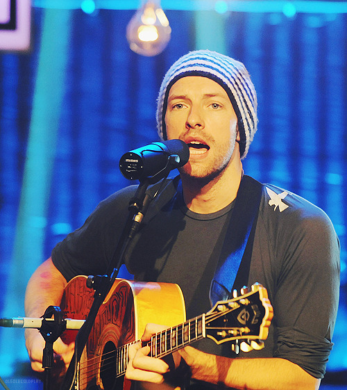oleolecoldplay:  ★ 9/50 photos of Chris Martin